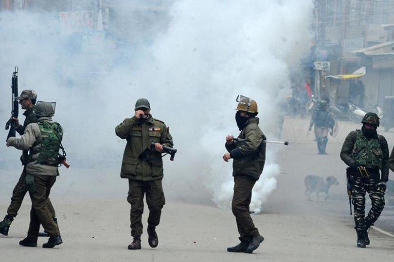 صورة السلطات الهندية تملئ السجون بأربعة الاف مواطن من كشمير