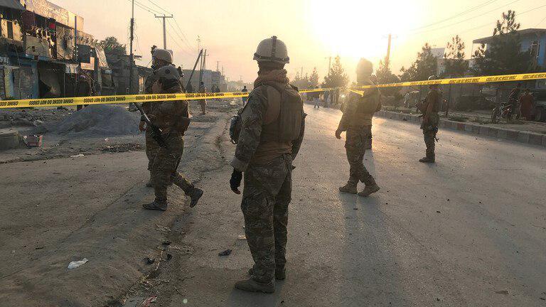 صورة مقتل طفل وإصابة 11 شخصا جراء انفجار بشرق أفغانستان