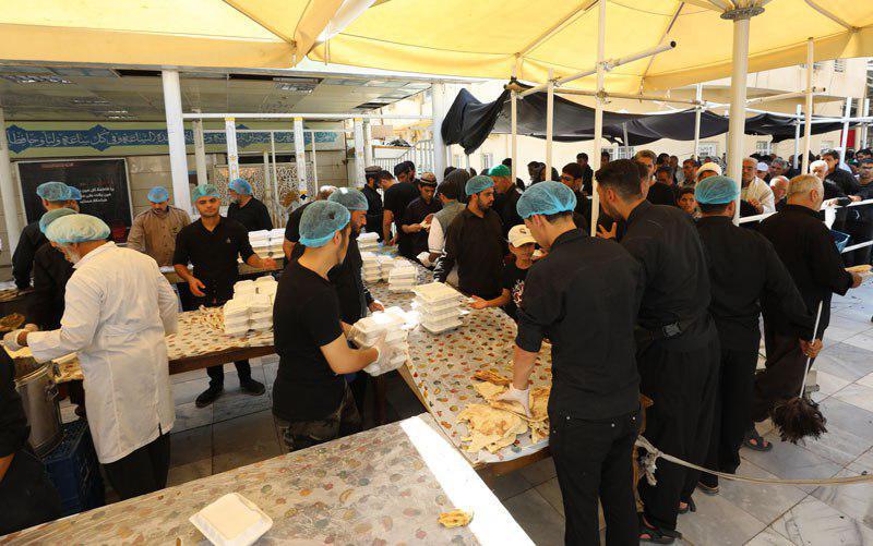 صورة العتبة العسكرية تعلن توزيع اكثر من مليون ومئتي ألف وجبة طعام خلال العشر الاوائل من شهر صفر