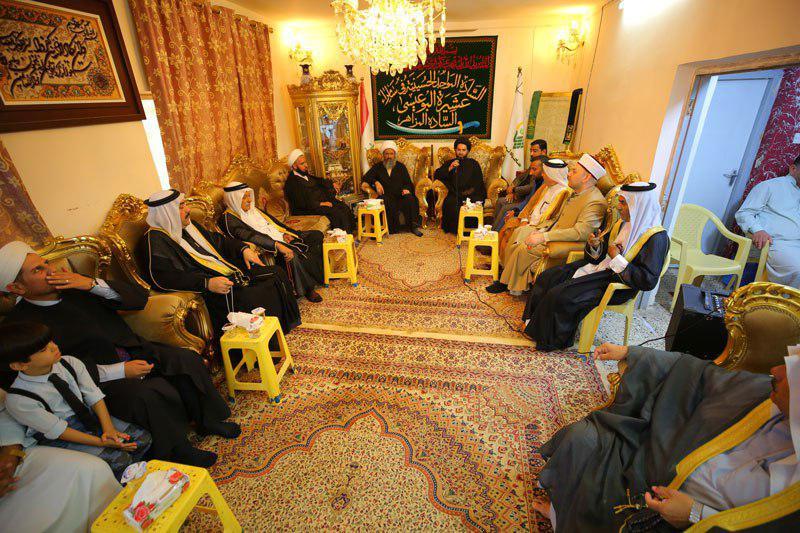 صورة شيوخ ووجهاء سامراء تقيم عزائها السنوي بذكرى اربعينية الامام الحسين عليه السلام