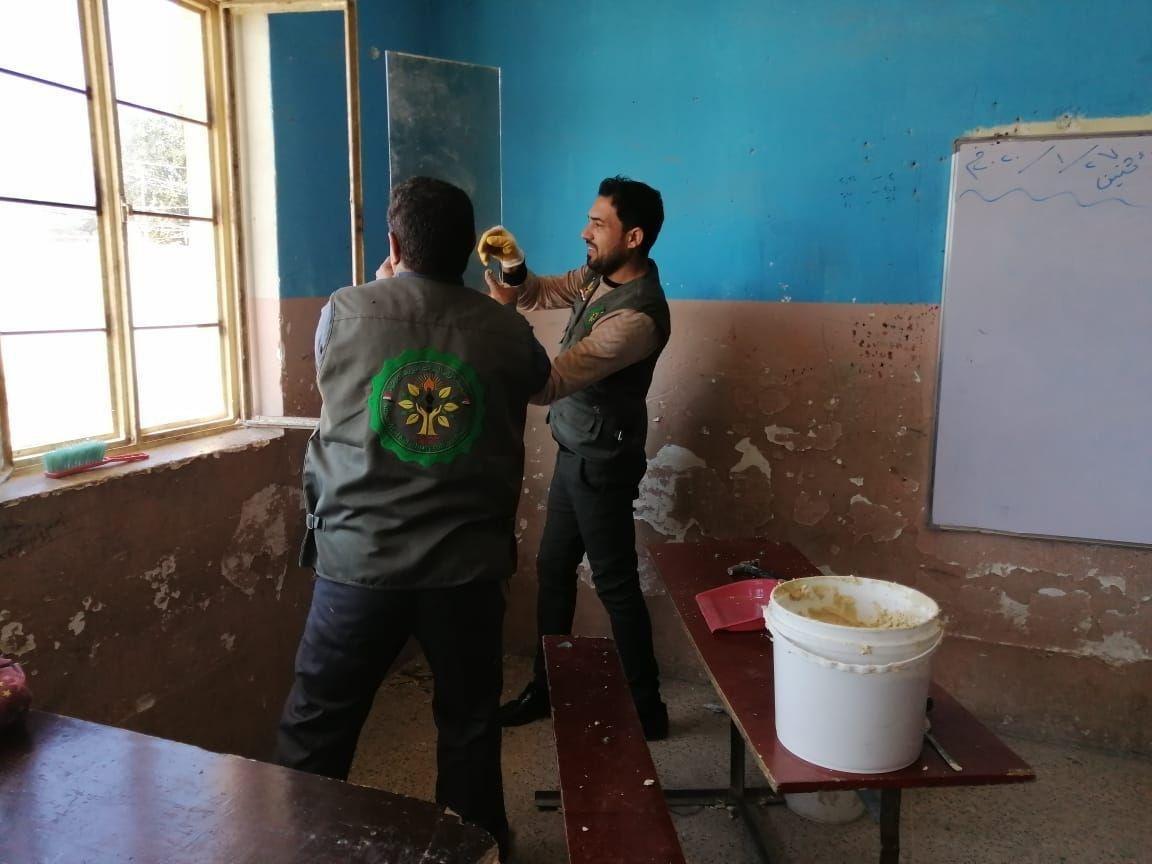 صورة مؤسسة مصباح الحسين تبادر بمناسبة الايام الفاطمية بتوفير احتياجات عدد من المدارس في كربلاء المقدسة (صور)