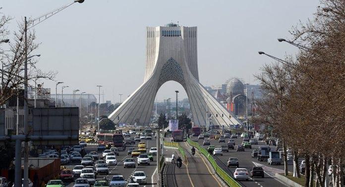 صورة ايران تعلن فتح الأماكن الدينية في 300 منطقة