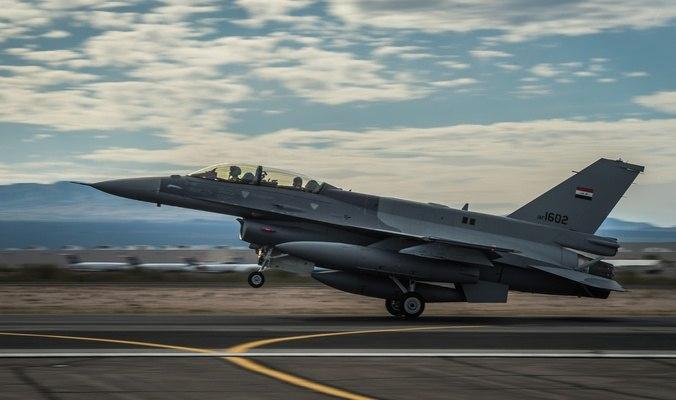 صورة الطيران العراقي تقتل عددا من عناصر داعش في الموصل