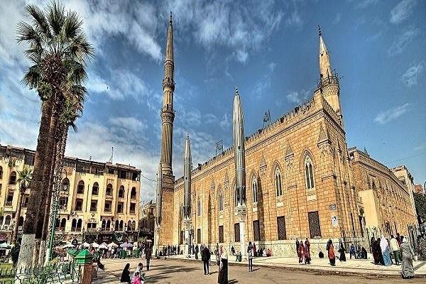 صورة مصر تغلق مسجد الامام الحسين عليه السلام وتحذر أئمة المساجد