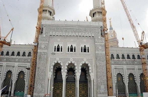 Photo of تشييد أضخم بوابة للحرم المكي في السعودية (صور)