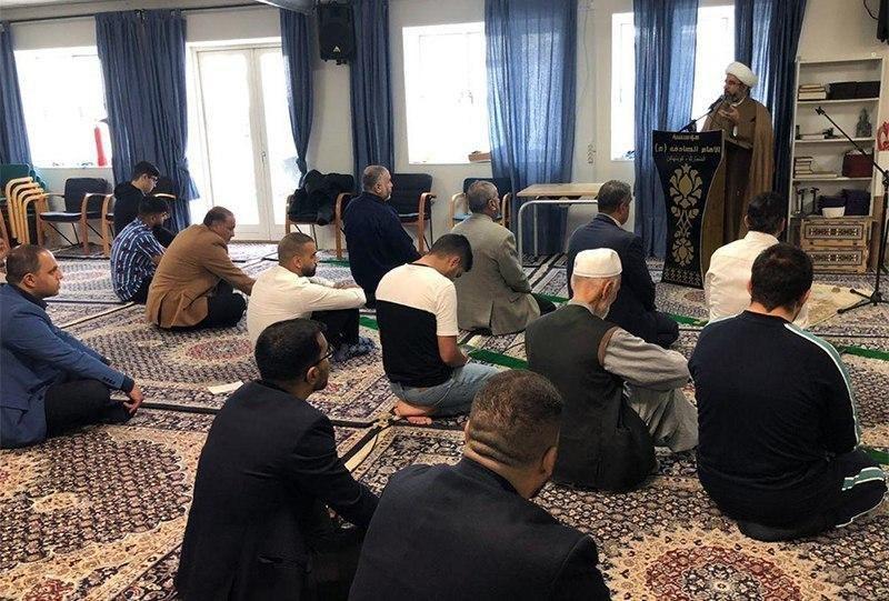 صورة مراسيم صلاة عيد الأضحى المبارك بمؤسسة الإمام الصادق عليه السلام في الدنمارك (صور)