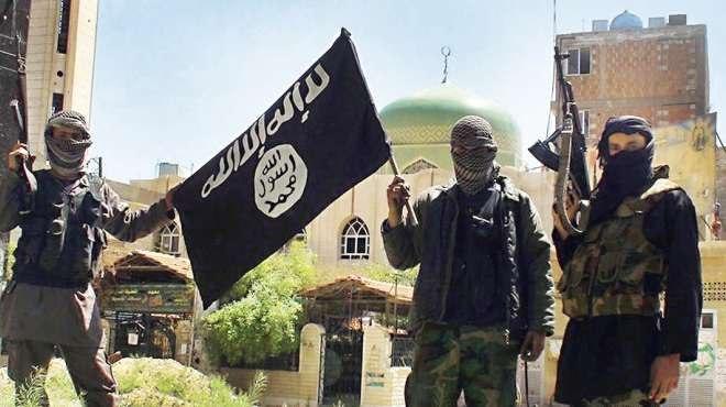 صورة القبض على قيادي بالهيئة الشرعية لداعش الإرهابي واثنين من معاونيه في نينوى