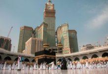 صورة بشكل تدريجي .. السعودية تسمح بأداء مناسك العمرة