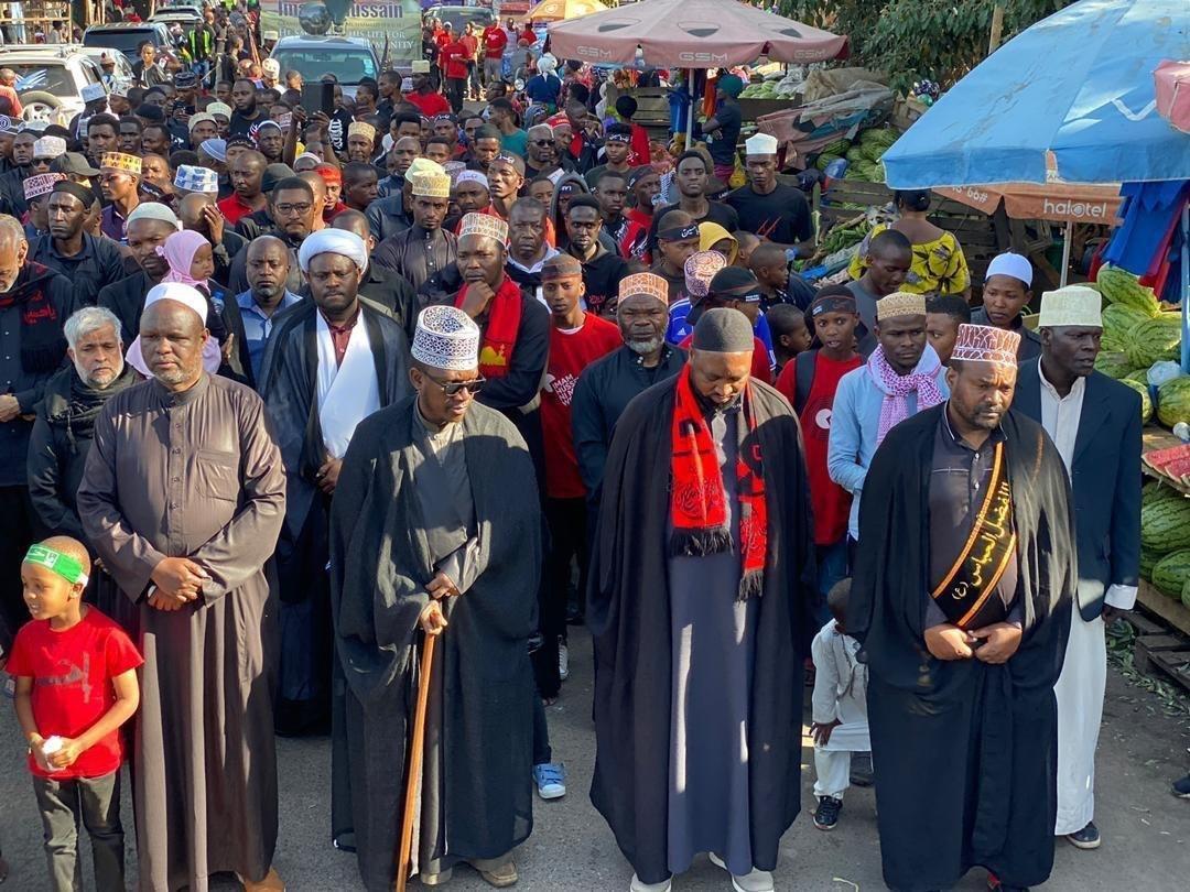 صورة عاشوراء حول العالم .. شيعة تنزانيا يحيون ذكرى عاشوراء الإمام الحسين عليه السلام (صور)