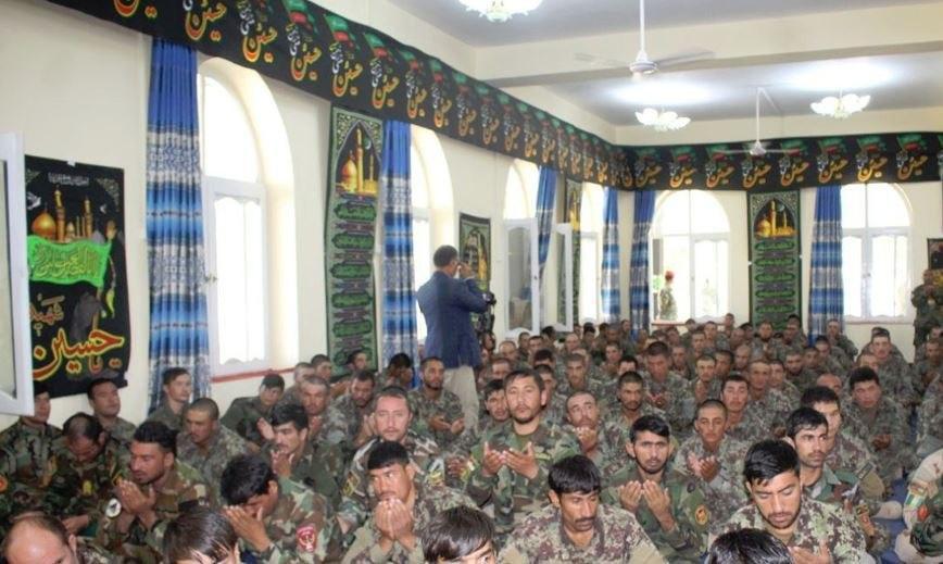 صورة بالصور: مشاركة العسكريين في مجلس العزاء الحسيني بأفغانستان
