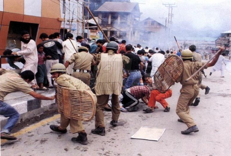 صورة جنديان من ميانمار يعترفان بفظائع الإبادة بحق مسلمي الروهنجيا