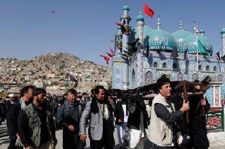"""صورة أقلية """"الهزارة"""" الأفغانية.. مضطهدون في الداخل بسبب تشيّعهم ومستبعدون من الخارج بسبب """"الإسلاموفوبيا"""""""