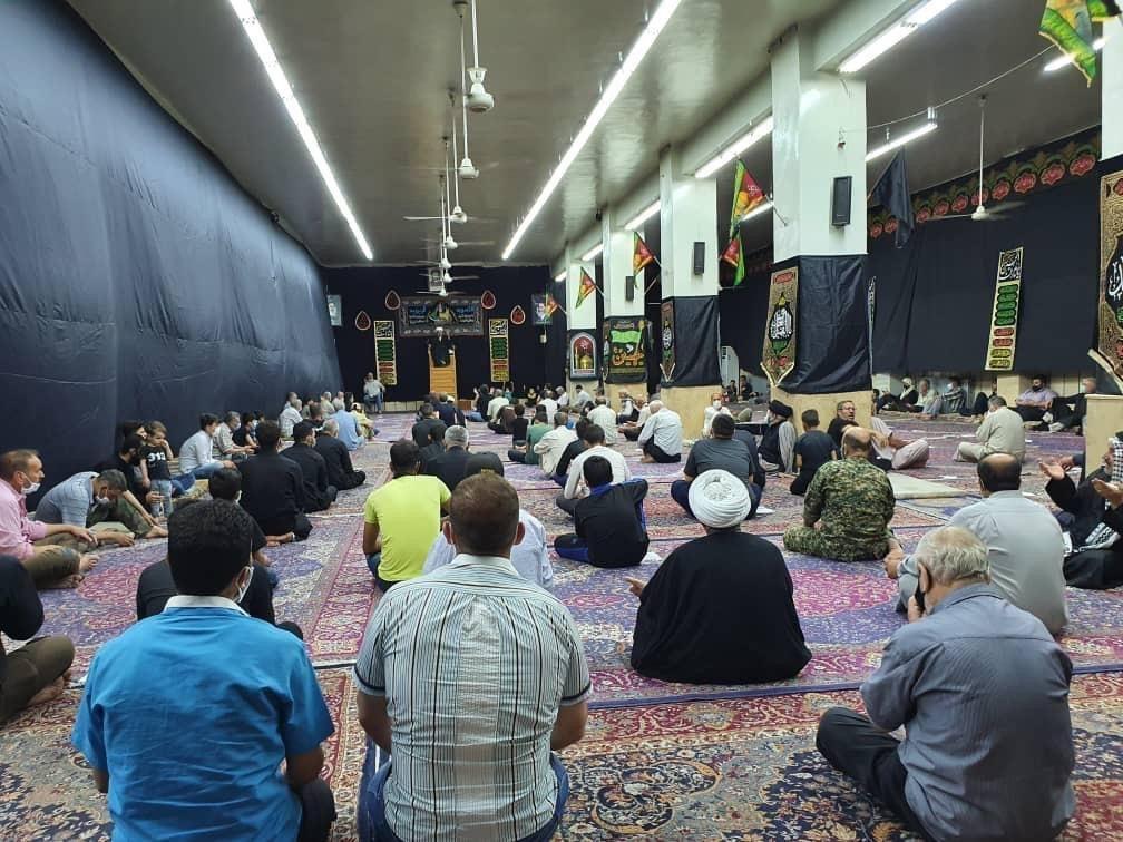 صورة إحياء ذكرى شهادة الإمام زين العابدين عليه السلام في حسينية الحوزة العلمية الزينبية في سوريا