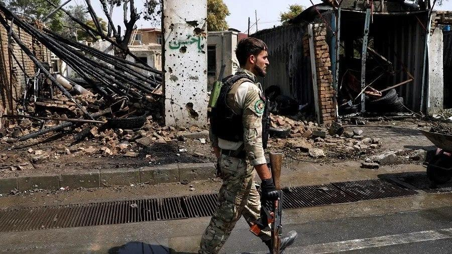 صورة مقتل شرطي وإصابة 3 آخرين في انفجار قنبلة شرقي أفغانستان