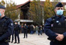 صورة فرنسا: اعتقال 3 نساء علقن رسوماً مسيئة للنبيِّ محمَّد صلَّى الله عليه وآله في الشارع