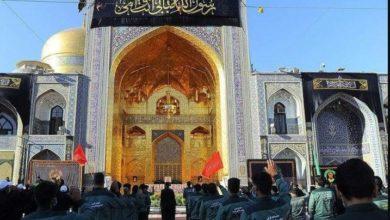 صورة توافد آلاف الزائرين إلى مشهد لإحياء ذكرى استشهاد الإمام علي بن موسى الرضا عليه السلام