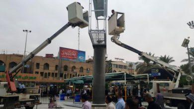 صورة نصبُ شاشة جديدة في ساحة ما بين الحرمَيْن الشريفَيْن في كربلاء