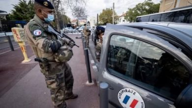 صورة نيويورك تايمز: الشرطة الفرنسية تعامل أطفالاً مسلمين كإرهابيين