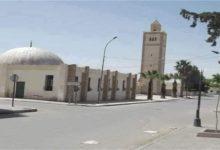 صورة مجهولون يسرقون محتويات الجامع الكبير في مدينة القصرين التونسية بما في ذلك كرسي المنبر