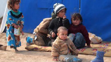 صورة يعيشون بين الجثث والألغام.. منظمة دولية تكشف عن واقع مأساوي للأطفال في المخيّمات العراقية