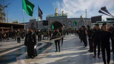صورة الزائرون والمواكب يعزون الإمام الحسين وأخيه أبي الفضل بشهادة السيدة الزهراء عليهم السلام (صور)