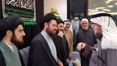 صورة نجل المرجع الشيرازي يزور حسينية الإمام المهدي عليه السلام في الكويت