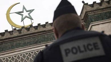 صورة فرنسا تنتهك بوضح النهار حقوق مسلميها.. ومنظمات تتقدم بشكوى أمام الأمم المتحدة