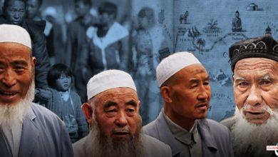 صورة المسلم الحر: الصين تستهدف الأقليات المسلمة عنصرياً من خلال تطبيقات ذكية