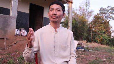 """صورة """"واعظ شيعي"""" ينجح بنشر السلام في قرية نائية بكمبوديا"""