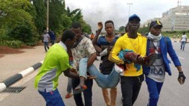 """صورة اتهام الشرطة النيجيرية بقتل """"شيعي"""" تحت التعذيب بعد مشاركته بالاحتجاجات"""