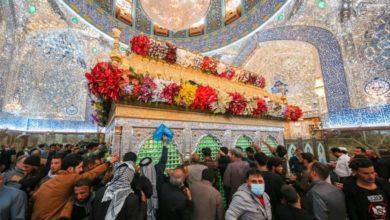 صورة المؤمنون يحيون زيارة المبعث النبوي الشريف في رحاب المرقد العلوي المطهر (صور)