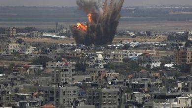 صورة اليمن: إصابة 4 مواطنين بينهم طفلان بقصف طيران التحالف السعودي للعاصمة صنعاء
