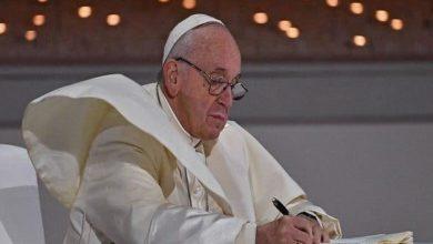 صورة قبيل زيارته.. بابا الفاتيكان يوجه رسالة إلى المسيحيين العراقيين