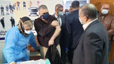 صورة صحة كربلاء المقدسة تباشر بتطعيم كوادرها باللقاح الصيني ضد كورونا (صور)