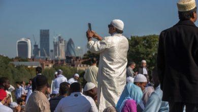 صورة تقرير يدعو لتوفير بيئة مريحة للموظفين المسلمين في بريطانيا
