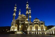 صورة مسجد (حيدر) الكبير بأذربيجان يحتضن الشيعة والسنة خلال شهر رمضان