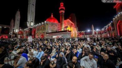 صورة الجموع المؤمنة تحيي ليلة استشهاد الإمام علي عليه السلام في النجف الأشرف (صور)