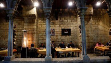 صورة كنيسة اسبانية تحتضن صلاة جماعة وتقيم مأدبة افطار رمضاني للمسلمين