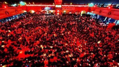 صورة الجموع المؤمنة تحيي ذكرى شهادة السيد الصدر قدس سره في النجف الاشرف (صور)