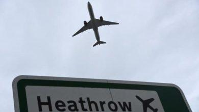 صورة لاسترضاء شركات الطيران.. بريطانيا تدرس تخفيف قيود السفر لمن تلقوا لقاح كورونا