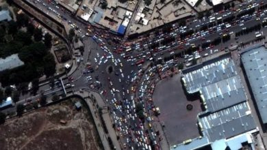 صورة السيل البشري ترصده الاقمار عند مطار كابل (صور)