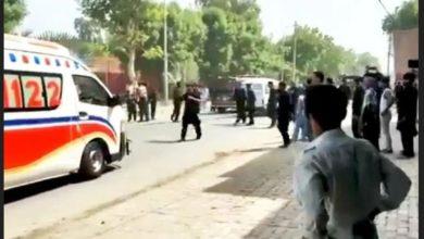 صورة استشهاد ثلاثة على الأقل وإصابة العشرات بهجوم على موكب للشيعة في باكستان