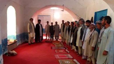 صورة وفد من مكتب المرجع الشيرازي يطلع على أوضاع الشيعة في مدينة مزار شريف الأفغانية