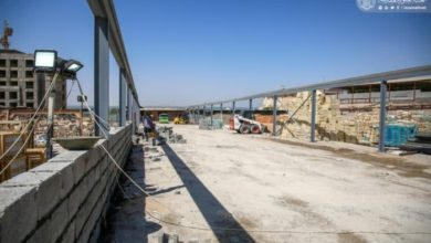 صورة العتبة العلوية تباشر بتهيئة طريق السلالم الكهربائية المؤدي إلى الحرم الطاهر استعدادًا لزيارة الأربعين