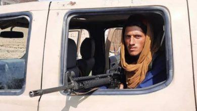 صورة طـ،ـالبان الإرهـ،ـابية تعتقل صحفيين بالقوة وتصادر معداتهم بسبب تغطية احتجاجات في كابل