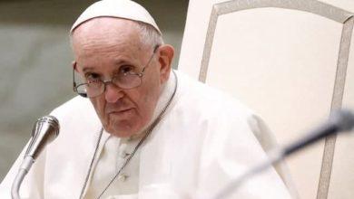صورة البابا فرنسيس يستنكر الهجمات المميتة ضد المسلمين الشيعة في أفغانستان