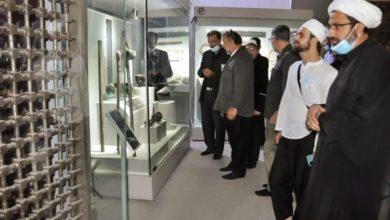 صورة وفدٌ من جمهوريّة البوسنة يُجري جولةً في متحف الكفيل ويُبدي إعجابه بمقتنياته وطريقة عرضها (صور)