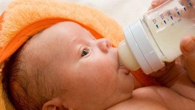 Photo of Study says breastfeeding can ward off postpartum depression