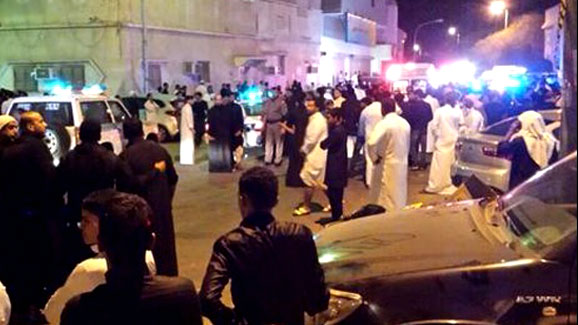 Takfiri terrorists kill 8 Shia mourners and injure 30 in Saudi Arabia