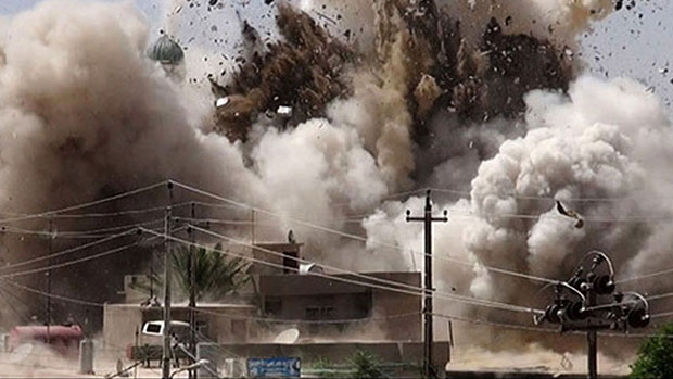 Photo of IS demolishes mosques in Mosul and threatens to behead worshippers
